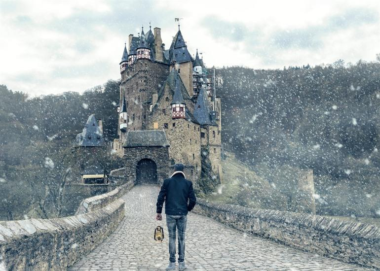 Burg Eltz winter