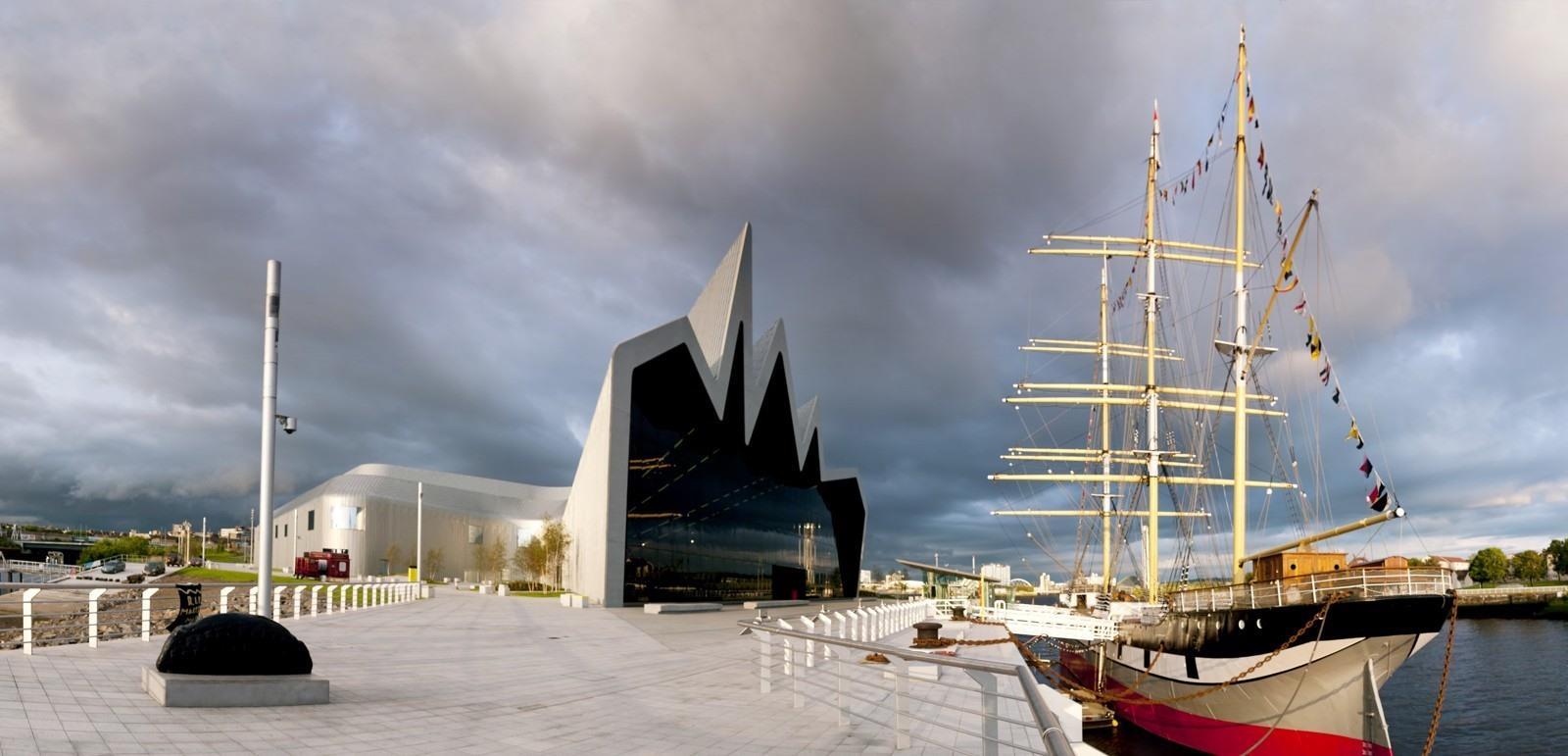 Met deze stadswandeling door Glasgow (9,7 km), ontdek je de stad op een veelzijdige manier.