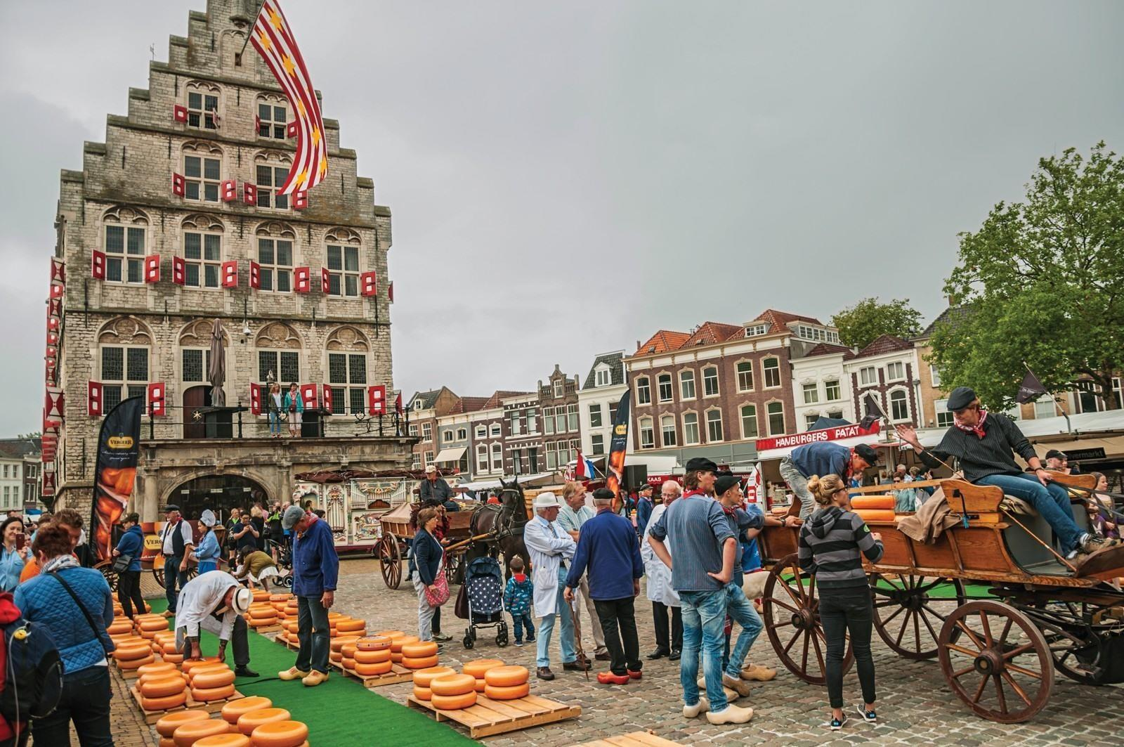 https://www.reisroutes.be/userfiles/fotos/gouda-stadhuis_572_xl.jpg