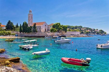 Vakantie op Hvar? 16 tips: Celebrity hotspot, party tips + hidden spots