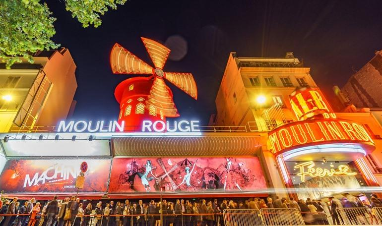 Moulin Rouge cabaret in Parijs