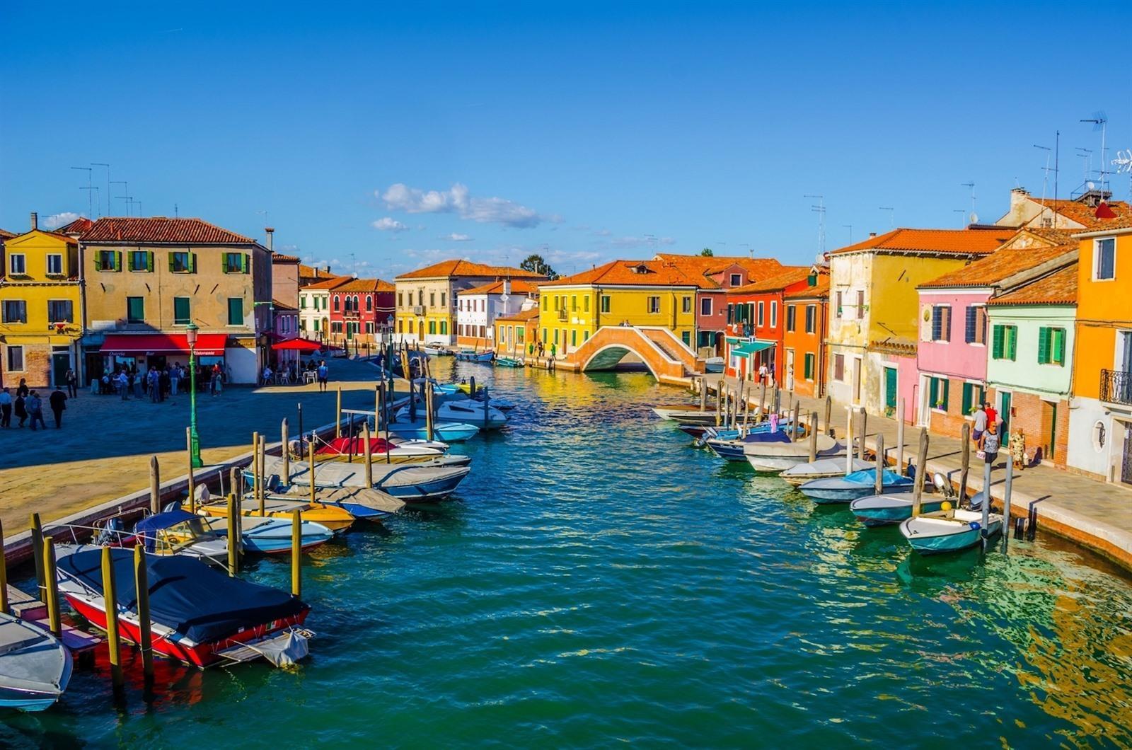 Burano In Venetie Bezoeken Bezienswaardigheden Gekleurde Huisjes