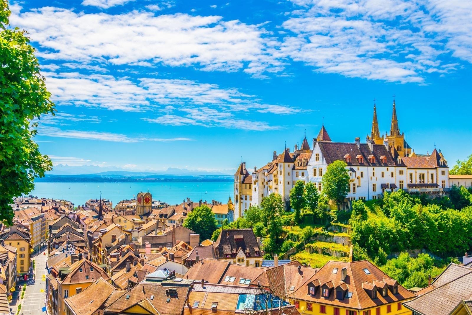 De top 10 x mooiste bezienswaardigheden in Neuchâtel