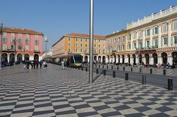 Nice, place messina