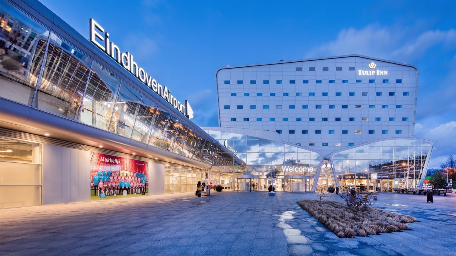 Parkeren op luchthaven Eindhoven? Prijzen + gratis en goedkope alternatieven